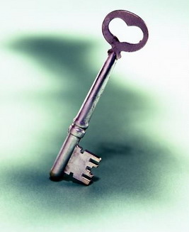 日常的钥匙是用什么金属做的